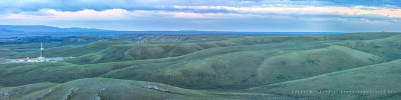 Panorama, high resolution, Wyoming, Pinedale, Pinedale Anticline, Spring, green, drilling rig, pad drilling, natural gas, lateral gas well, Wind River Mountains, prairie, directional gas well