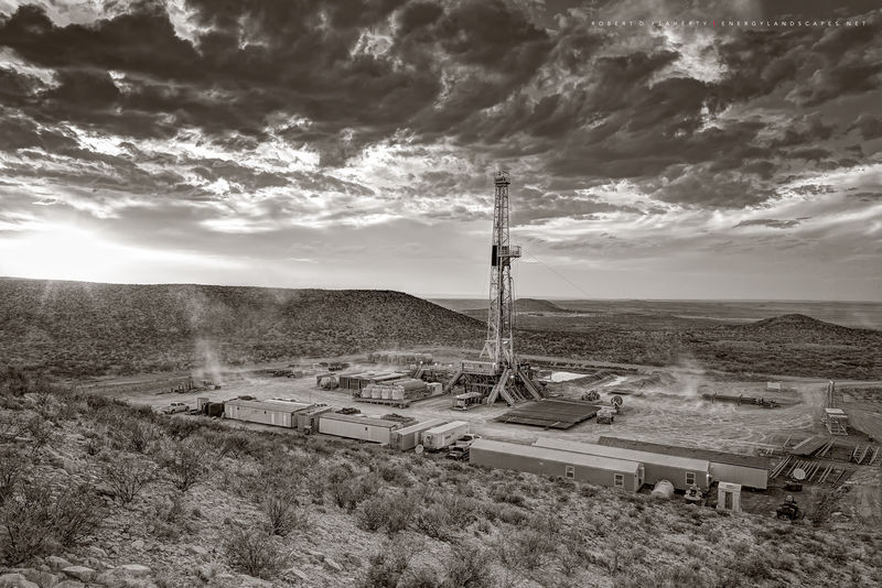 Delaware Basin, Permian Basin, West Texas, Mountain, drilling rig, Wind, sepia, black and white, black & white