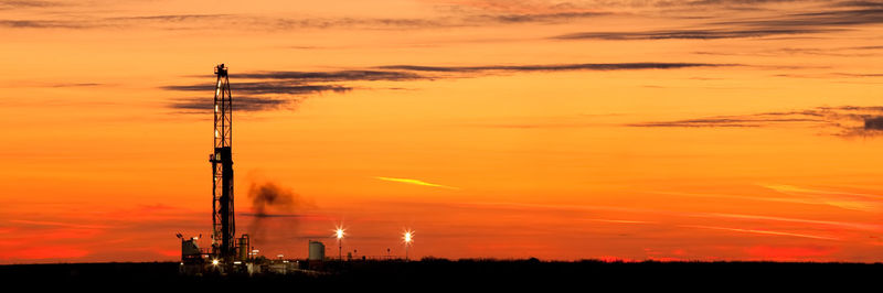 Drilling Rig, University Lands, Andrews County Texas, Texas, Late Winter, Sunset