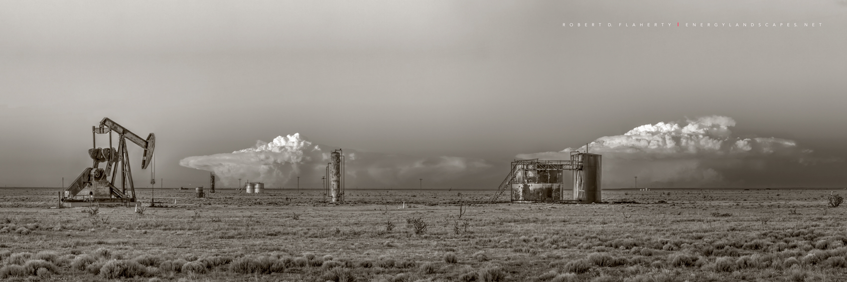 Button Mesa, Texas, New Mexico, Oklahoma, photograph, Fine art photography, thunderstorm, Spring, Chavez County New Mexico, Permian Basin, high resolution, panorama, sepia, black & white, black and wh, photo