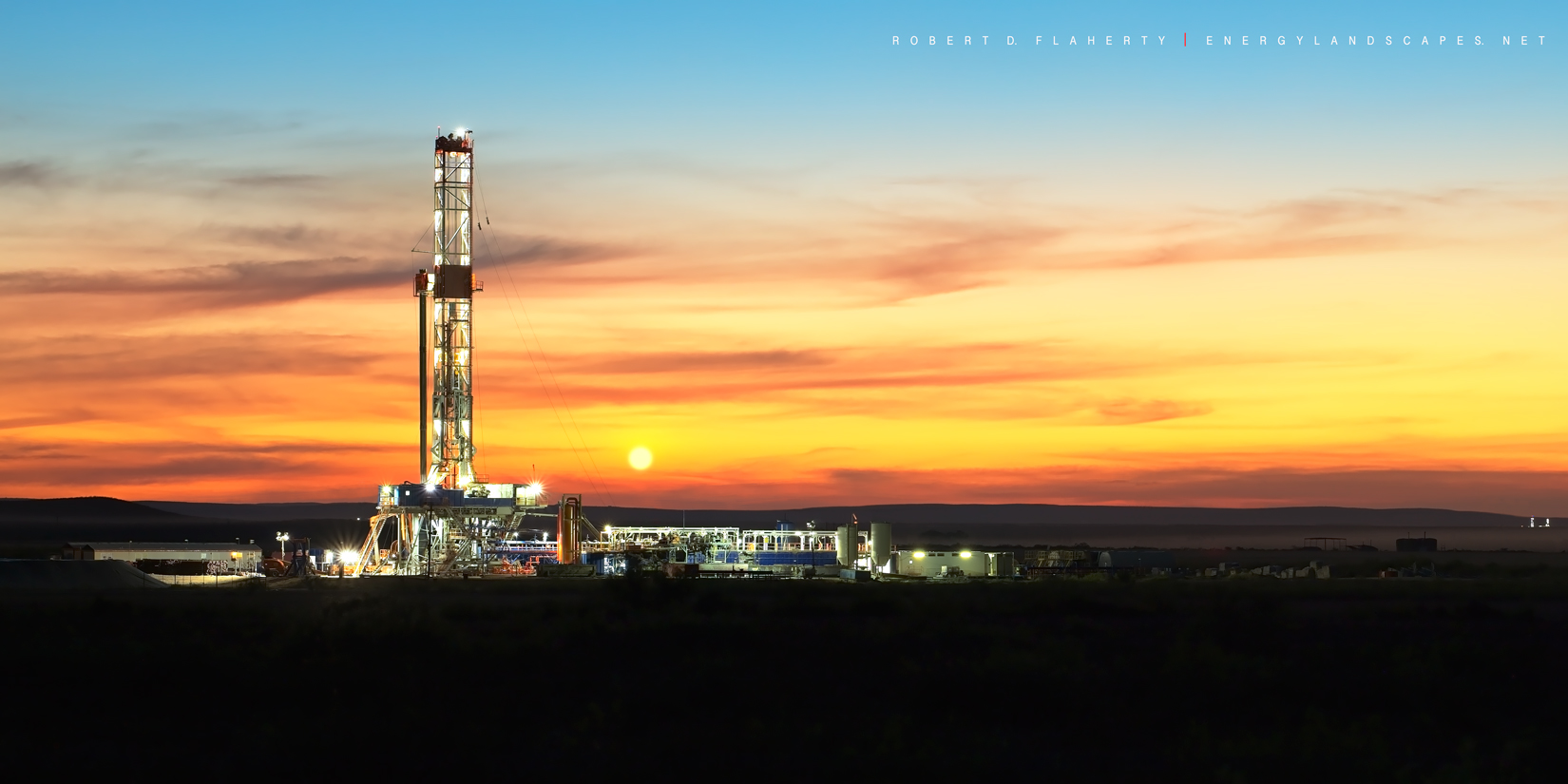 Patterson UTI, Patterson Drilling, drilling rig, panorama, high resolution, sunset, direction well, New Mexico, Delaware Basin, Permian Basin, Malaga New Mexico, September, Matador Resources, photo