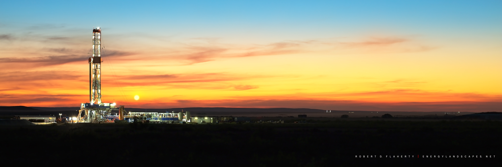 Patterson UTI, Patterson Drilling, drilling rig, panorama, high resolution, sunset, direction well, New Mexico, Delaware Basin, Permian Basin, Malaga New Mexico, September, Matador Resources , photo
