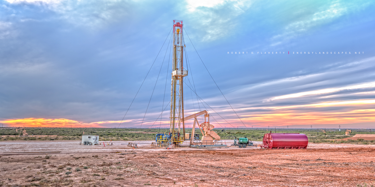 Key Energy, Well Servicing, Chevron, Midland Texas, Permian Basin, high resolution, panorama, Lufkin Pumping unit, Lufkin pumpjack, Lufkin pump jack, Permian Basin, sunset, photo