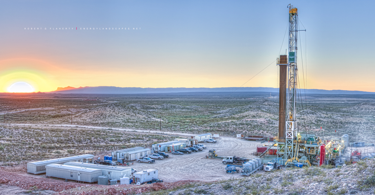 Cactus Rig 148, Guadalupe Pass, drilling rig, horizontal well, Delaware Basin, West Texas, Permian Basin, photo