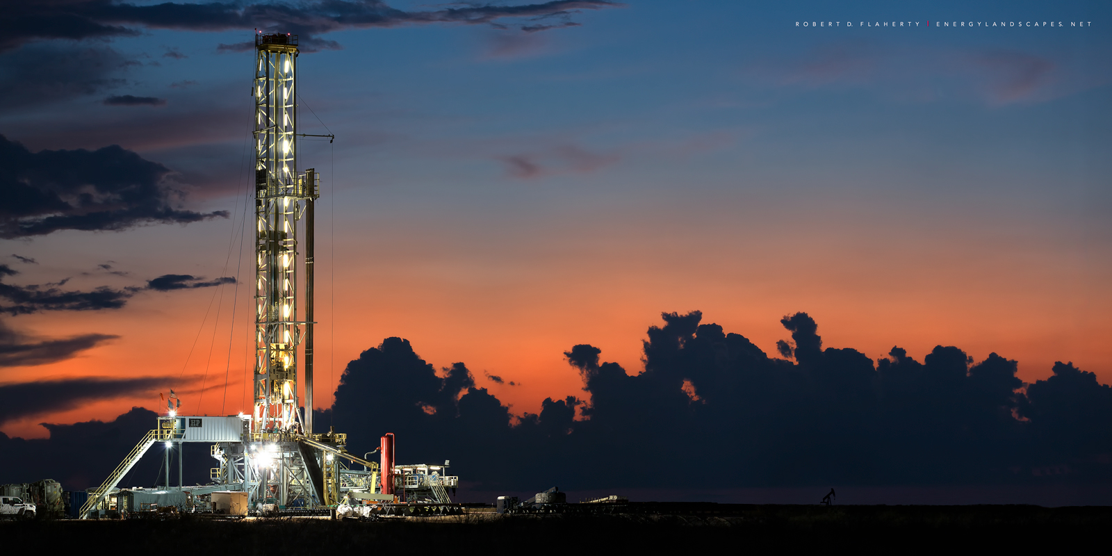H&P, Drilling, Drilling rig, golden hour, Andrews Texas, sunset, Oil and Gas photography, photo