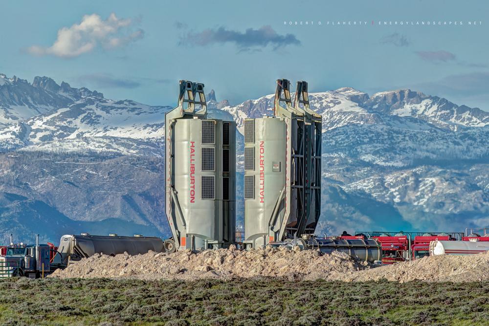 Halliburton, Frac, Wind River Mountains, Wyoming, Panorama, high resolution, photo
