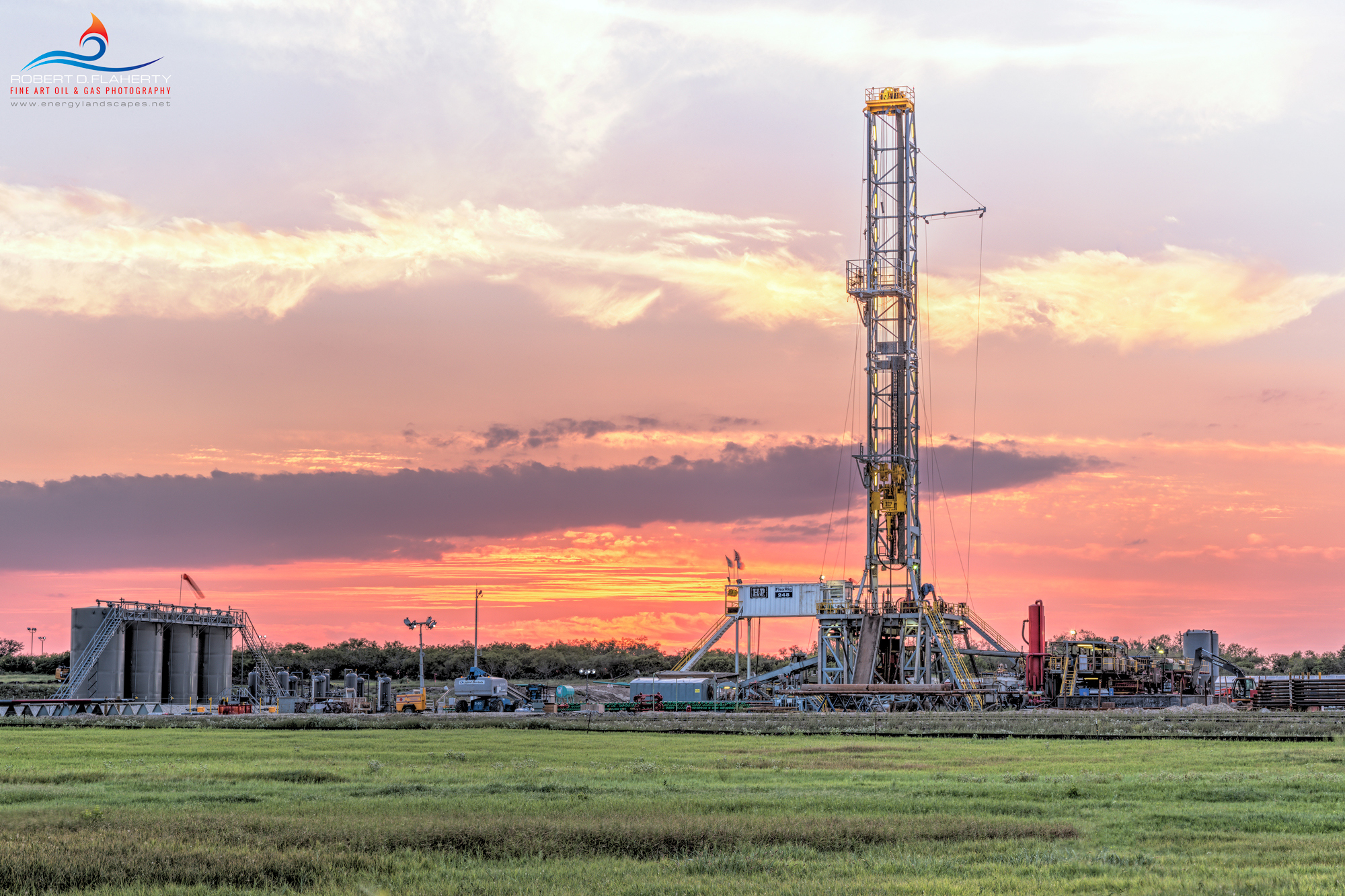Eagle Ford, drilling rig, sunset, high resolution, mural, fine art, Karnes City Texas, H&P Drilling, H&P Drilling rig 248, directional well,  directional drilling, pad drilling, oilfield art