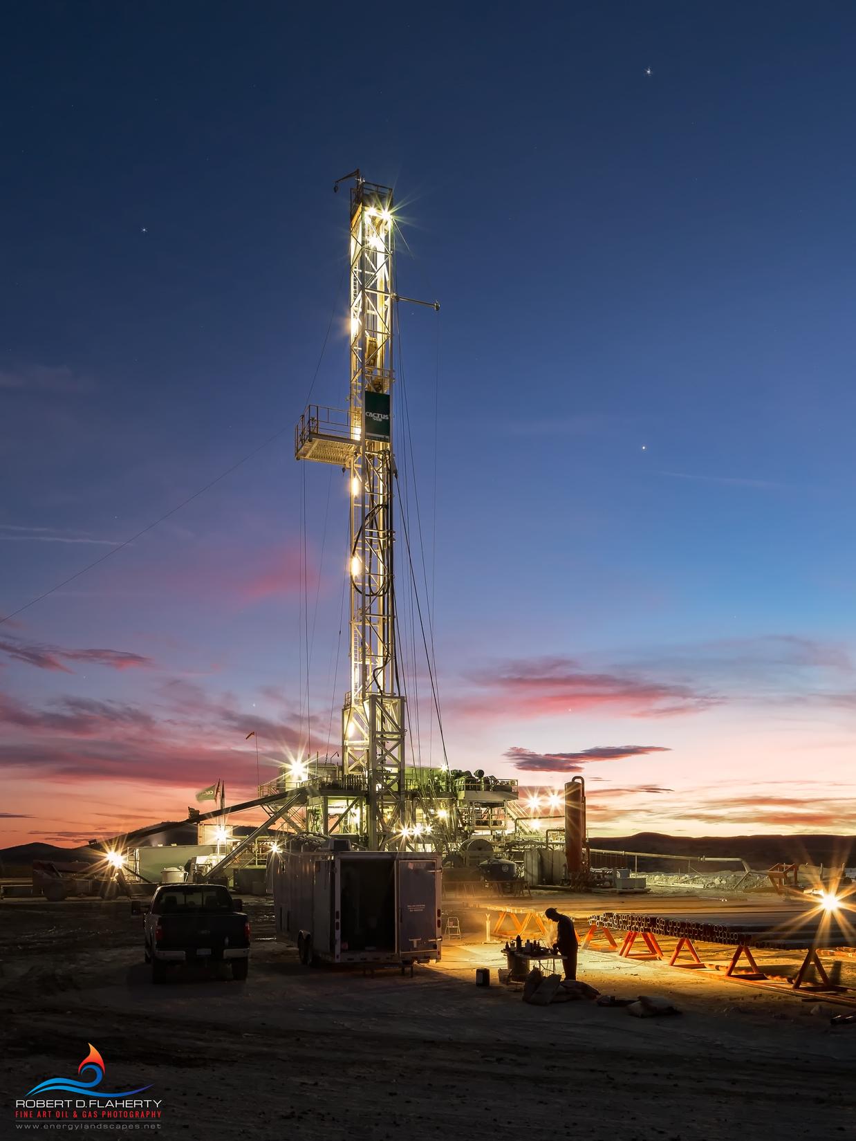 Delaware Basi, Permian Basin, Texas, Western Texas, drilling rig, casing, Cimarex, sunrise, Winter, cold, January, Orla Texas, Cactus 148, Cactus Drilling, photo