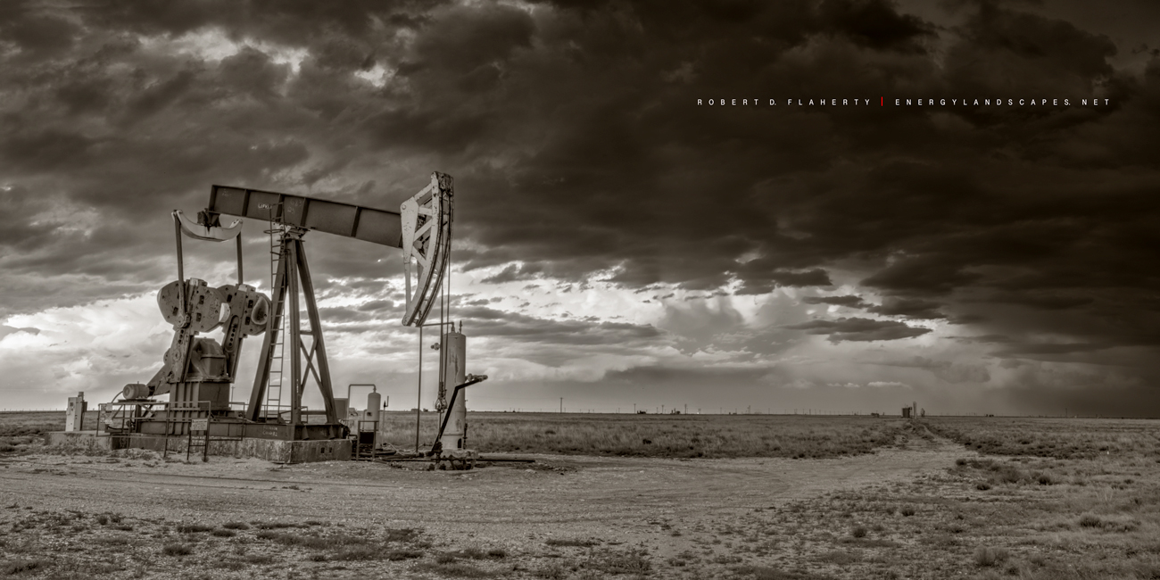 pump jack, pumping unit, pumpjack, oilfield, oilfield art, thunderstorm, dark, sepia, black and white, black & white, New Mexico, Lufkin, Lufkin pumping unit, Lufkin Pumpjack, Lufkin pump jack, Oil & , photo