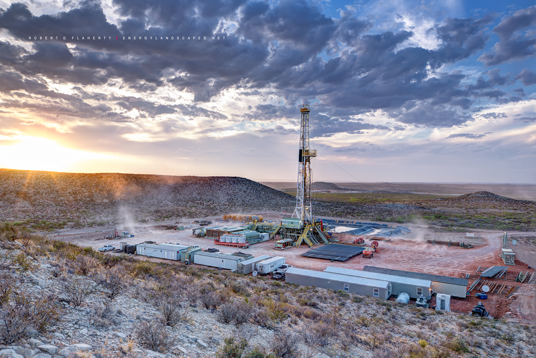 Delaware Basin, Permian Basin, West Texas, Mountain, drilling rig, Cimarex, Chevron, Wind, photo
