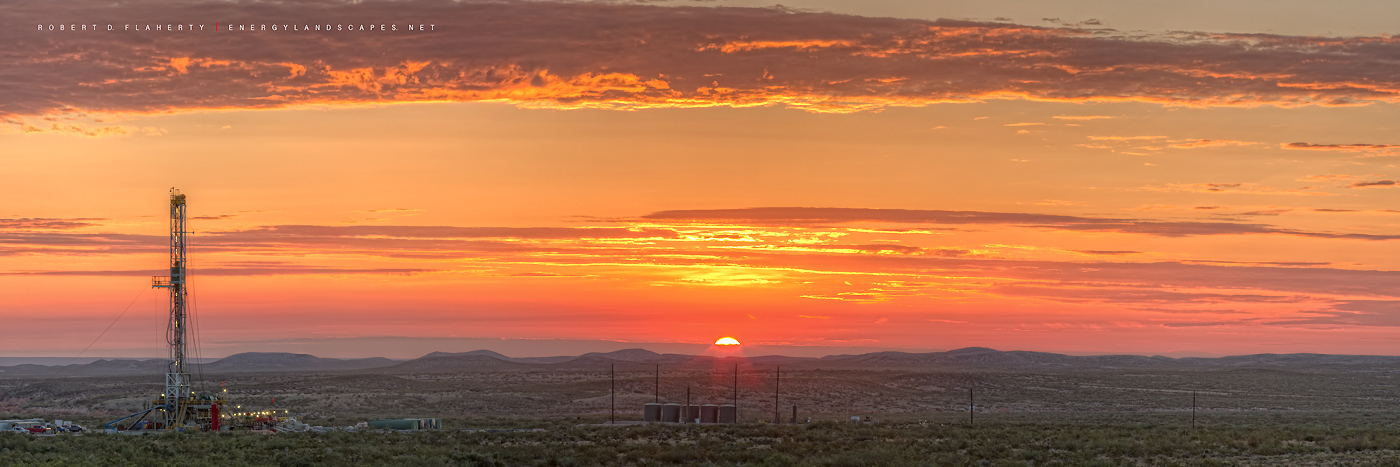 Delaware Basin, Permian Basin, drilling rig, Cactus Drilling, 148, Rocket Rig, panorama, high resolution, fine art, fine art prints, Texas, mountains, West Texas,  lateral gas well, photo