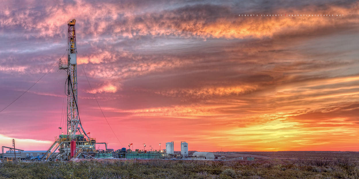 drilling rig, Barstow Texas, Delaware Basin, Permian Basin, Texas, oil and gas photography, oilfield art, mural, photo