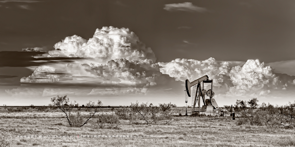 Tatum New Mexico, New Mexico, thunderstorms, pumpjack, super cell thunderstorm, evening, Eastern New Mexico, photo